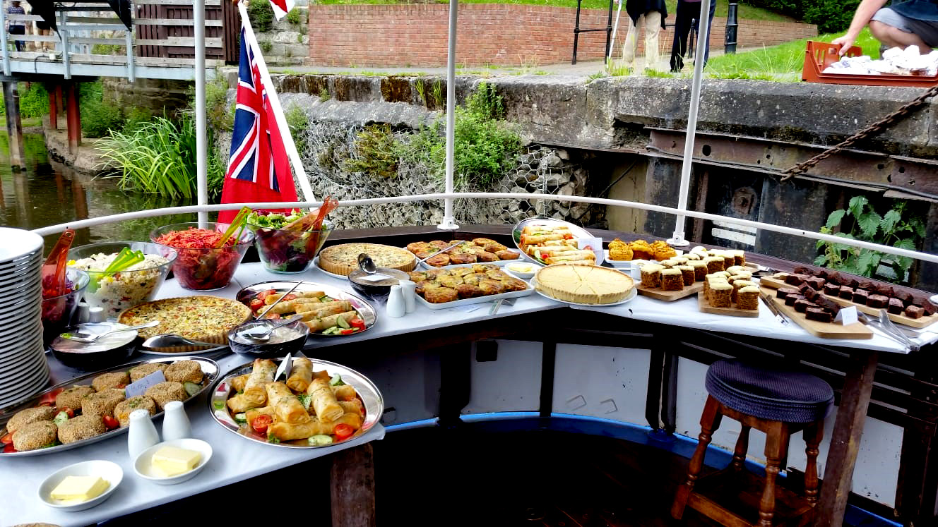 Buffet on the Sonning boat